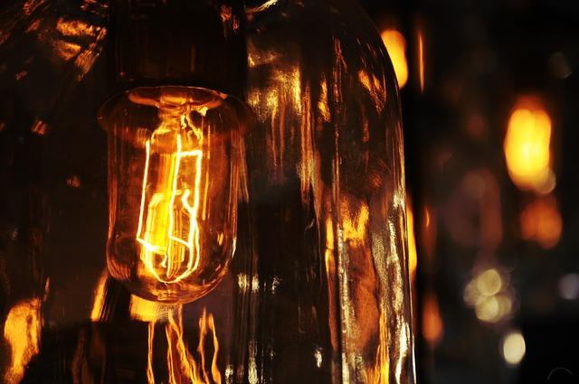 lightbulb-801941_640
